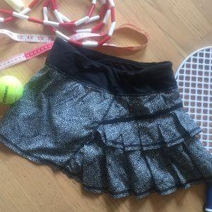 Lululemon 4 tennis skirt skort EUC ruffle back